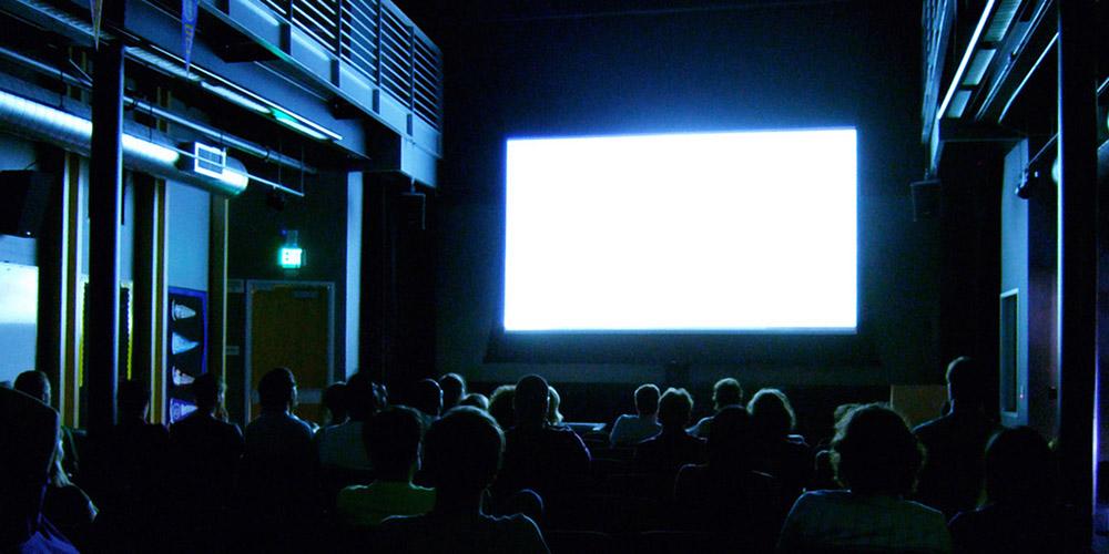 Zachránia mobilné aplikácie kiná?