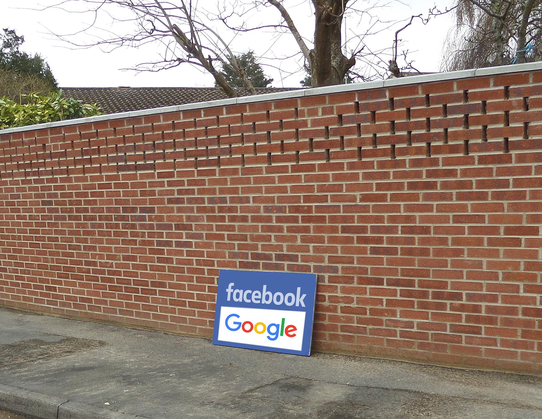 Dokedy budú odolávať múry Facebooku a Googlu?