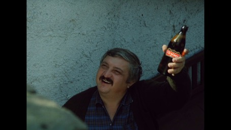 Pán Pávek z filmu Vesničko má středisková s Urpinerom na siedmom schode?