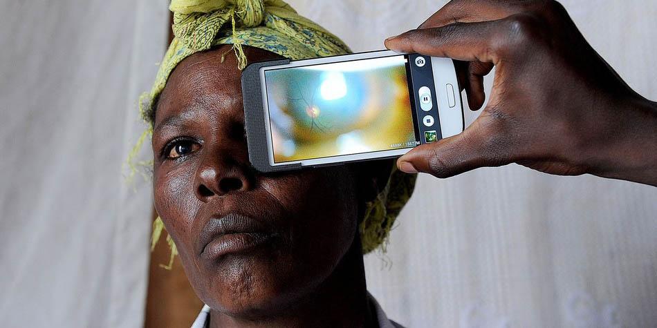 DigiDigest: Technológie proti slepote, nahlasovanie FB ako nástroj cenzúry atď.